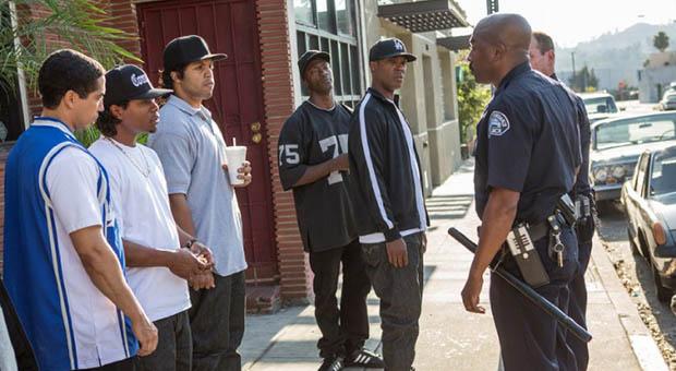 Straight Outta Compton_02