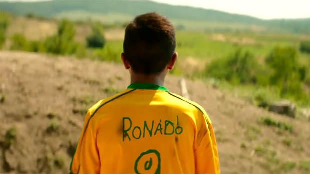 Brazilok előzetes: mindenki focizik