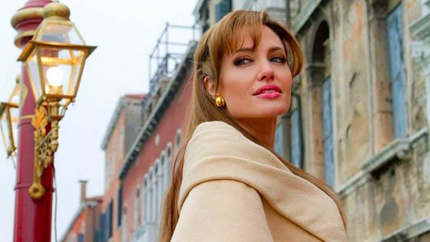 Angelina Jolie Terrence Malick parfümreklámjában