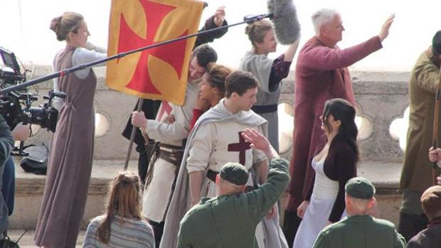 Taron Egerton a Robin Hood forgatásán