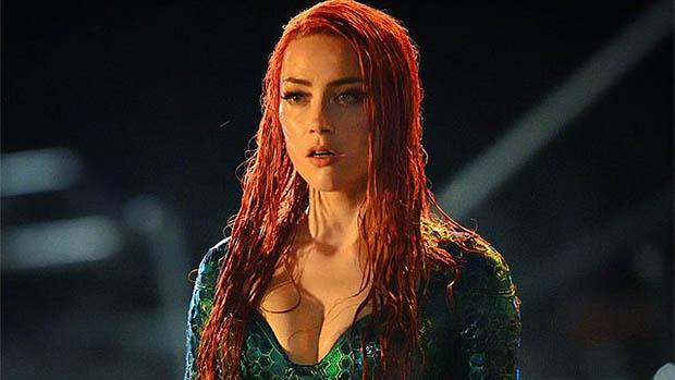 Amber Heard dögösen még vizesebb