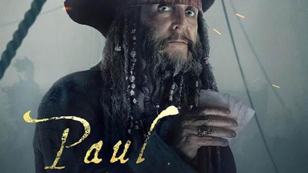 Paul McCartney mit keres a kalózok között?!