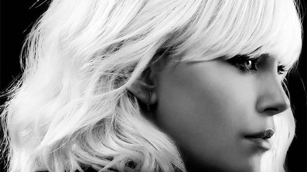 Charlize Theron a legújabb Atomszőke poszterén