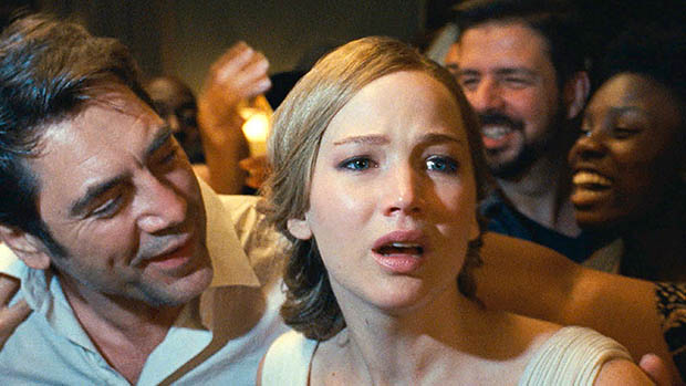 Jennifer Lawrence az anyám! első hivatalos képein