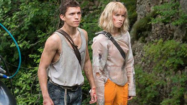 Daisy Ridley és Tom Holland a Chaos Walking forgatásán